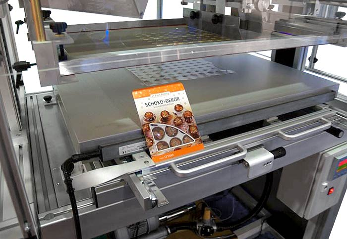 Applications Of The Rpx 700 Flat Bed Screen Printing